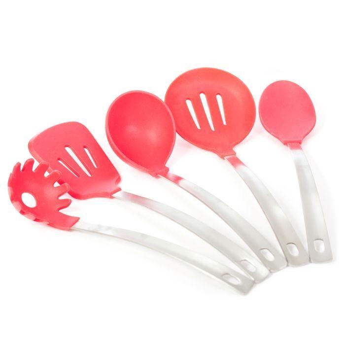 Набор кухонных принадлежностей Кухонка, 5 предметов (красный), из силикона приборы для готовкиТовары для кухни<br>Набор кухонных принадлежностей Кухонка, 5 предметов (красный)<br> <br> <br>  <br> <br> <br>Набор Кухонка, состоящий из 5 предметов, представляет собой собрание лопаток и поварешек из жароупорного силикона, имеющих прочные ручки из нержавеющей стали. Такие лопатки хороши для посуды, наделенной антипригарным покрытием: даже при сильном нажатии посуда поцарапана не будет.<br> <br> <br>  <br> <br> <br>Силиконовые лопатки, кисти, поварешки можно мыть в посудомоечной машине не используя царапающие абразивные средства. Преимущество таких кухонных инструментов заключается в том, что они устойчивы к впитыванию вкуса продуктов и их запахам, а потому каждый раз создается ощущение, что эти инструменты – новые.<br> <br> <br>  <br> <br> <br>Комплектация:<br> <br>Лопатка - 1 шт<br> <br>Шумовка - 1 шт<br> <br>Поварешка глубокая - 1 шт<br> <br>Поварешка мелкая - 1 шт<br> <br>Поварешка для лапши – 1 шт<br> <br> <br>  <br> <br> <br>Для оптовых покупателей:<br> <br>Чтобы купить набор Кухонка оптом, необходимо связаться с нашими операторами по телефонам, указанным на сайте. Вы сможете получить значительную скидку от розничной цены в зависимости от объема заказа.<br> <br>Для получения информации о покупке товаров посетите разделОптовых продаж<br>