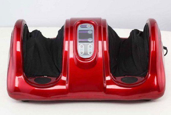 Массажер для ног Блаженство красный, Bradex (Брадекс), домашний для стоп и лодыжекМассажеры для ног Блаженство<br>Массажер для ног Bradex Блаженство красный<br> <br>  Руководство по эксплуатации, инструкция массажер для ног Bradex Блаженство (pdf 4,95 mb)<br> <br>  Смотрите также - Массажер для ног Bradex Блаженство черный<br> <br><br>  <br>Несмотря на многовековую историю, китайская медицина остается одним из эффективнейших видов терапии. Главная движущая сила лечения – активации естественного восстановления и регенерации организма. Китайская медицина не оказывает губительного влияния на организм, как в случае с приемом таблеток и других медикаментов. <br> <br>Акупунктурное воздействие на рефлекторные зоны – одно из основных направлений. Согласно представлению восточных целителей, в организме постоянно циркулирует жизненная энергия Ци. Если она заблокирована на каком-то участке – возникают заболевания и неприятные симптомы. И наоборот – болезни препятствуют движению. Чтобы человек начал выздоравливать, нужно избавиться от факторов, мешающих циркуляции энергии.<br> <br>В области стопы находится огромное количество активных точек, отвечающих за работу органов и систем организма. Их стимуляция приводит к быстрому выздоровлению и улучшению общего состояния.<br> <br>Массажер для ног Bradex Блаженство красный – качественный массаж у вас дома<br> <br>Устройство массажера реализует глубокую проработку стопы и лодыжек. Результаты применения ощутимы уже после первых сеансов, а главное – возрастает стрессоустойчивость и усиливается иммунитет.<br> <br>Краткая инструкция по эксплуатации<br> <br><br> <br> <br> <br>Эффективность массажера<br> <br>  <br>  Нормализация работы органов.<br>  <br>  Стабилизация давления.<br>  <br>  Улучшение циркуляции крови и лимфотока. Это свойство оценят люди с малоподвижным образом жизни.<br>  <br>  Профилактика заболеваний ног и опорно-двигательного аппарата.<br>  <br>  Укрепление стенок сосудов.<br>  <br>  Снижение риска возникновения варикозног