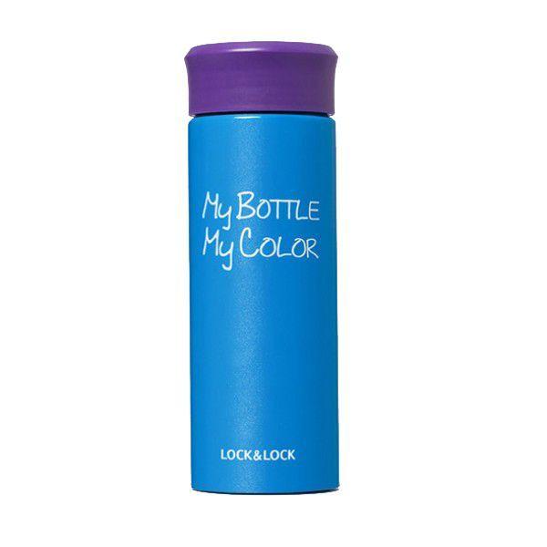 Термос My bottle My color 0,33 мл синий, (Май Батл), для чая, из нержавеющей сталиТермосы My Bottle<br>Термос My bottle My color 0,33 мл синий<br> <br> <br>  <br> <br> <br>Термосы My bottle - яркий, стильный и веселый аксессуар с отличными теплосберегающими характеристиками. Возьмите с собой в дорогу горячий чай/кофе. Выполнен термос из качественных материалов, что гарантирует его надежность и долговечность. Корпус из нержавеющей стали практически невозможно сломать или испортить. Внутри термоса нет бьющихся элементов, и он способен выдержать множество падений и ударов.<br> <br> <br>  <br> Преимущества термоса My bottle My color<br> <br>Термос My Bottle My Color невероятно стильный, однако на этом его преимущества не заканчивается, поскольку основное назначение изделия – удерживать температуру. С этой задачей оно справляется на все 100 процентов. Если вода только закипит и будет налита в термос, то через 6 часов её температура будет составлять 80 градусов, по прошествии 6 часов она потеряет ещё 20 градусов, а на следующий день можно получить жидкость температурой 40 градусов. Использование особого материала для изготовления корпуса и превосходная теплоизоляция позволили добиться того, что термос не нагревается и не обжигает руки.<br> <br> <br>  <br> <br>  <br>Характеристики:<br> <br>Сохранение температуры:<br> <br>Через 6 часов - 80 градусов<br> <br>Через 12 часов - 60 градусов<br> <br>Через 24 часа - 42 градусов<br> <br>Материал корпуса - нержавеющая сталь<br> <br>Объём - 330 мл<br> <br> <br>  <br> <br> <br> <br>  Для оптовых покупателей:<br> <br>  Чтобы купить термос My Bottle My Color оптом необходимо связаться с нашими операторами по телефонам, указанным на сайте. Вы сможете получить значительную скидку от розничной цены в зависимости от объема заказа.<br> <br>   <br>    <br>   <br> <br>  Для получения информации о покупке товаров посетите разделОптовых продаж<br> <br>