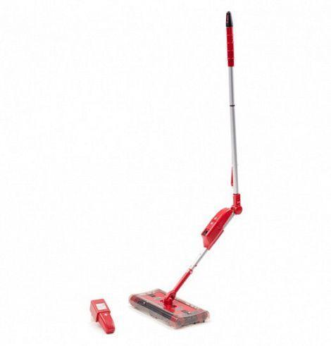 Электровеник Swivel Sweeper G6 (Свивел Свипер Джи 6), для уборки дома в квартиреЭлектровеники<br><br> Предстоящая уборка способна вогнать вас в грусть из-за своей длительности и неудобства? Устаете от использования традиционных аксессуаров для уборки, а многие труднодоступные места и вовсе не можете полноценно убрать?<br><br><br> Забудьте обо всех этих проблемах и неудобствах с Swivel Sweeper G6. Он легко очистит от пыли и грязи любые поверхности, не повреждая их.<br><br><br> <br><br>Особенности<br><br>Свивел с легкостью справится с уборкой в доме без лишних усилий и телодвижений с вашей стороны. Только представьте, теперь, чтобы навести чистоту, вам не придется наклоняться и травмировать руки, пытаясь вытереть пыль под диваном, шкафом или в любом другом труднодоступном месте.<br><br><br> Особенная конструкция, которая стала усовершенствованной версией прошлой модели, воплотила в себе лучшие решения от разработчиков.<br><br><br> Основным преимуществом этой модели является наличие специальной насадки, которая способна вращаться в любую сторону на 360 градусов, а телескопическая ручка с поворотным механизмом позволяет проникать туда, куда закрыть путь традиционному венику или швабре.<br><br><br> <br><br><br> Целых четыре щетки-валика, которые расположены по периметру насадки, делают легким и непринужденным процесс уборки пыли в квартире, доме или офисе.<br><br><br> Просто отрегулируйте под свои потребности длину ручки и приступайте к уборке. Вмонтированные щетки соберут весь мусор с пола в специальный контейнер многоразового использования, и надежно сохранит его от просыпания. После окончания уборки снимите емкость и выбросите содержимое в мусорный бак.<br><br><br> Работает этот недорогой бытовой помощник от аккумулятора, заряда которого хватает на целых 45 минут непрерывной уборки! Беспроводной электровеник полностью автономен, а это значит, что использовать его можно где угодно, даже если нет сети.<br><br><br> Единственное, о чем стоит подумать заранее, так это о ег