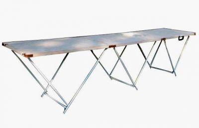 Стол для торговли раскладной 2,7х0,6 мКемпинговая мебель<br>Прочный и качественный складной стол, отличающийся своими габаритными размерами. Конструкция стола включает в себя три одинаковые части, представляющие собой соединенные вместе три столика из фанеры толщиной 3 мм с ножками из стальной трубы D 16 мм, выполненными в виде треугольника. Стол имеет ручку для переноса.<br>Характеристики<br><br><br><br><br> Вес:<br><br><br> 16 кг<br><br><br><br><br> Все размеры:<br><br><br> 270*60 см<br><br><br><br><br> Гарантия:<br><br><br> 6 месяцев.<br><br><br><br><br> Каркас:<br><br><br> Сталь ? 16 мм.<br><br><br><br><br> Материал:<br><br><br> Фанера 3 мм<br><br><br><br><br> упаковка габариты см:<br><br><br> 90*60*10<br><br><br><br><br>