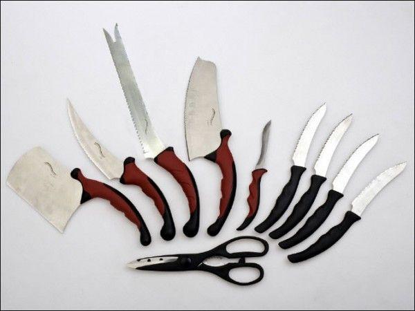 Набор кухонных ножей Contour Pro Knives (Контр Про), аксессуар для кухни, для резки продуктовНаборы ножей<br>Набор кухонных ножей Contour Pro Knives<br><br>Сейчас рынок переполнен разного рода наборами ножей, но немногие могут похвастаться достойным качеством материала и удобством при нарезке.<br> <br>Хороший нож должен обладать острым и прочным лезвием, а также удобной ручкой, чтобы рука не скользила и Вы избежали порезов.<br> <br>Вашему вниманию мы хотим представить набор кухонных ножей Contour Pro Knives - это ножи с острыми лезвиями из нержавеющей стали и эргономичными нескользящими силиконовыми ручками.<br> <br>Такие ножи идеально для резки мяса, рыбы, овощей, хлеба и многого другого. Отлично подходят как для правши, так и для левши.<br> <br>Теперь Вы сможете порезать хлеб тонкими кусочками едва дотронувшись до него ножом.<br> <br>Набор ножей Contour Pro Knives - это профессиональная серия стильных и функциональных ножей, которые разработаны по лучшим стандартам из нержавеющей стали.<br> <br>Хотите стать настоящим мастером в быстром приготовлении блюд?<br><br>Особенности набора ножей Contour Pro Knives<br> <br>Ножи Контр Про изготовлены по классическому дизайну, имеют совершенно новые, идеально сбалансированные ручки, лезвия с косым, вогнутым острым краем. Дизайн рукоятки продуман так, чтобы Ваша рука не уставала даже при очень длительном использовании ножей.<br> <br>Contour Pro Knives прекрасно подойдет для точной нарезки, тоненького нарезания, нарезания кубиками и рубки, шинковки. Вы легко сможете измельчать овощи и фрукты, мясо или сыр, замороженные или горячие продукты, а также кости! При этом ножи остаются острыми и их не нужно будет точить!<br> <br>Такой набор ножей должен быть на каждой кухне!<br><br>Что входит в набор ножей Контр Про<br> <br><br> <br>1. Ножи для стейка с прочным негнущимся и острым лезвием поможет разделаться с любым типом мяса - в комплекте 4 шт.<br> <br>2. Нож для шинковки - идеален для шинковки зелени, овощей и других продуктов<br> <
