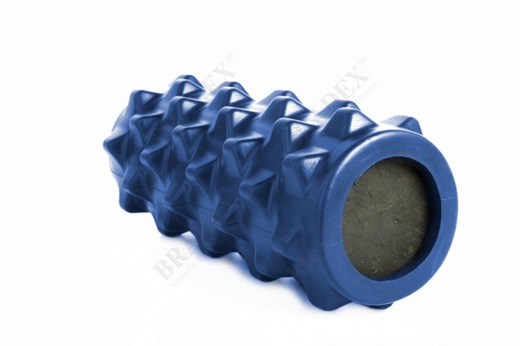 Валик для фитнеса массажный, синийМассажные валики для фитнеса<br>Валик для фитнеса массажный, синий<br> После занятий спортом и физических нагрузок Вы испытываете дискомфорт в уставших мышцах? Массажный валик для фитнеса поможет Вам справиться с неприятными ощущениями, повысить эластичность кожи и мышечной ткани.<br>Преимущества<br><br>Удобный и компактный <br>Выпуклый рисунок обеспечивает качественное воздействие на мышцы и соединительные ткани <br>Может использоваться до и после тренировок <br>Прекрасно подходит для массажа дома и в фитнесс зале <br>Снимает усталость и скованность в мышцах<br><br>Как пользоваться массажным Валиком для фитнеса<br><br>Лягте на пол <br>Разместите валик под массируемой областью <br>Слегка приподнимитесь над поверхностью пола <br>Прижимаясь к валику медленно проводите по нему, изменяя положение своего тела Примечание: при выполнении массажа может возникать легкий дискомфорт, связанный с напряжением в мышцах.<br> Валик предназначен исключительно для массажа мышечных тканей и не должен контактировать с позвоночником и другими костными тканями тела <br>В случае возникновения резких болевых ощущений немедленно прекратите использование валика<br><br>Рекомендации по уходу<br> При необходимости протрите поверхность валика мягкой влажной тканью. При сильном загрязнении промойте валик под проточной водой с добавлением моющего средства и высушите его вдали от нагревательных приборов.<br>Характеристики<br><br>Материал: поливинилхлорид, этиленвинилацетат  <br>Размеры: 33,5 *13*13 см<br><br>