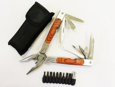 Нож Спектр универсальный большой-пассатижи 8733AWНожи туристические<br><br> Универсальный нож. Очень удобен и компактен, имеет 10 предметов.<br> За счет своих размеров его всегда можно взять собой в поход и не только. <br><br><br> В комплекте идут насадки для отвертки и черный чехол на липучке.<br><br>Характеристики:<br><br><br><br><br><br><br> Вес:<br><br><br> 186 г.<br><br><br><br><br> Все размеры:<br><br><br> в открытом виде 18 см, в закрытом 11 см.<br><br><br><br><br> Материал:<br><br><br> Нержавеющая сталь 18/10, пластиковая рукоять.<br><br><br><br><br> упаковка габариты см:<br><br><br> 12*4*3.5<br><br><br><br><br>