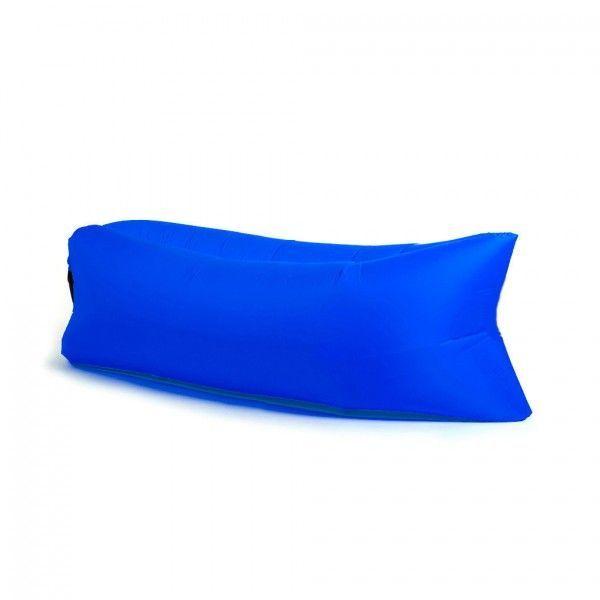 Надувной диван - лежак Ламзак (гамак, LAMZAC, Биван) синий, надувной лежак, диван (мешок) для природыНадувные диваны Лазмак (LAMZAC) <br>Надувной диван - лежак Ламзак (гамак, LAMZAC, Биван) синий<br> <br>  <br> <br>   Смотрите также - другие цвета LAMZAC<br> <br>  <br> <br> Любите путешествовать с друзьями и расслабляться на пляже? Везде носить с собой складные стулья, шезлонги и покрывала, это утомительно и тяжело. Лучшим решением будет мягкий надувной Биван, это оригинальное решение, его можно взять с собой куда угодно.<br> <br> <br> <br>  <br> <br> Что это?<br> <br> Биван - надувной гамак (лежак, диван). Как его не назови, он всё равно лучше. Захотелось вальяжно развалиться там, где вы не могли позволить себе этого раньше? Хотите прилечь отдохнуть? 15 секунд - и в вашем распоряжении роскошное удобство. Где угодно и когда угодно. Главное - не забыть прихватить Биван с собой.<br> <br>  <br> <br> Быстро и просто<br> <br>  <br> <br> Биван сверхкомпактный и умещается в небольшую наплечную сумку. Чтобы собрать биван, достаньте его из сумки, распрямите и зачерпните воздух. Звучит странно, но именно так всё и выглядит. После этого закройте воздушные клапаны и расслабьтесь на биване.<br> <br> <br> <br> Пару взмахов и Биван готов к эксплуатации.<br> <br> <br> <br> Еще мгновение, и вы уже отдыхаете!<br> <br>  <br> <br> Дизайн<br> <br> На вид Биван немного похож на кресло-мешок, которое вытянули по горизонтали. Все биваны сшиты из парашютного шёлка, так что за прочность мебели можно не беспокоиться. И да, наши биваны - унисекс.<br> <br>  <br> <br> Возьми с собой!<br> <br> - На пляж<br> <br> - В парк <br> <br> - На пикник или в поход<br> <br> - На горонолыжный склон <br> <br> - На рыбалку или охоту<br> <br> - В летний кинотеатр <br> <br> - На фестиваль под открытым небом <br> <br> - На дачу<br> <br> <br> <br>  <br> <br> Можно использовать на любой поверхности<br> <br> <br> <br>  <br> <br> Преимущества:<br> <br> - В случае износа или прокола можно заменить внутренний слой лежа