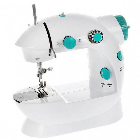 Машинка швейная Портняжка, компактная, Bradex (Брадекс), для шитья трикотажаШвейные машинки<br>Машинка швейная Bradex Портняжка<br> <br>Шить красивую и оригинальную одежду своими руками – не только интересно, но и выгодно. Но зачем тратиться на большую громоздкую и шумную швейную машинку со сложной электронной начинкой? Намного разумнее купить мини-швейную машинку – недорогой, но многофункциональный и надежный аналог этого полезного в быту агрегата. Швейная машинка Bradex Портняжка станет вашей незаменимой помощницей – подрубить край изделия, прострочить шторы и гардины, поставить заплатку и даже пошить изделие – теперь все эти задачи с легкостью выполнит ваша компактная швейная машина Портняжка.<br> <br>  <br> <br>В чем особенность мини-швейной машинки Портняжка?<br> <br>Почитайте отзывы и сами убедитесь – маленькая, удобная и многофункциональная швейная машинка Портняжка ни в чем не уступает современным приборам для шитья. А во многом – даже превосходит их. Посудите сами – старые швейные машинки занимают много места, шумят и требуют частой и кропотливой настройки. Современные швейные машинки – сложны в обращении и цена на них многим не по карману. А вот Портняжка - и места много не займет, и стоит недорого. Плюс ко всему – работает практически бесшумно, а по качеству строчки – ни в чем не уступает полноразмерным моделям.<br> <br>Это – по-настоящему полезная покупка! Эта маленькая, но мощная машинка поможет вам одеваться «с иголочки» - вы сможете перешивать одежду под себя или даже кроить и шить авторские вещи. Обновить, отремонтировать и создать эксклюзивный наряд – теперь просто и быстро! Даже ребенок под вашим руководством сможет научиться такому полезному и практичному навыку – шить одежку сперва для куклы, а потом уже и для себя.<br> <br>Машинка швейная Bradex Портняжка работает с тонкими и гладкими тканями – трикотаж, шелк, хлопок, справляется и с более жесткими полотнами – джинс, тонкий фетр, кашемир. Прибор прокладывает ровную равномерную строчку без пропус
