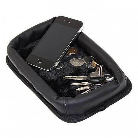 Автомобильный органайзер для телефона и мелочей из меха и кожиТовары для автомобиля<br>Не любите, когда в автомобиля теряются нужные мелочи?<br><br><br>С автомобильным органайзером для телефона и мелочей из меха и кожи Вы не только сохраните всё в одном месте, но и получите стильный аксессуар!<br><br><br><br> Оригинальный автомобильный органайзер изготовлен из кожи и меха и предназначен для хранения в салоне автомобиля телефона и других мелочей, например, ключей и монет. Отлично вписывается в дорогую обстановку авто, подчёркивая Ваш индивидуальный стиль.<br><br><br>  <br> <br><br><br> Удобный, практичный и стильный автомобильный аксессуар. Органайзер из меха и кожи для хранения мелких вещей позволит Вам всегда держать под рукой всё необходимое.<br><br><br><br><br><br><br><br><br><br><br> Используйте стильные и практичные аксессуары для Вашего авто!<br><br>Отличительные особенности:<br><br><br><br><br> – Материал: мех, кожа  <br> – Размер: 22*14,5 см<br><br><br><br>  <br> <br><br><br> Преимущества органайзера:<br><br> <br> - Стильный дизайн  <br> - Износостойкие материалы <br> - Надёжная фиксация <br>  <br> <br>Способ применения:<br>  <br><br> Установите органайзер на приборную панель автомобиля. Сложите в органайзер телефон и другие мелочи. <br><br><br> <br><br>  Автомобильный органайзер для телефона и мелочей из меха и кожи - стиль и практичность в одном флаконе!<br><br>  <br> <br><br><br> Комплектация:<br><br><br> Органайзер - 1 шт.<br><br><br>  <br> <br><br><br> Технические характеристики:<br><br><br> Цвет: чёрный <br> Материал: искусственная кожа, искусственный мех <br> Вес в упаковке: 70 гр. <br> Размер упаковки: 22*14,5*3 см <br> Размер: 22*14,5 см<br><br> <br>
