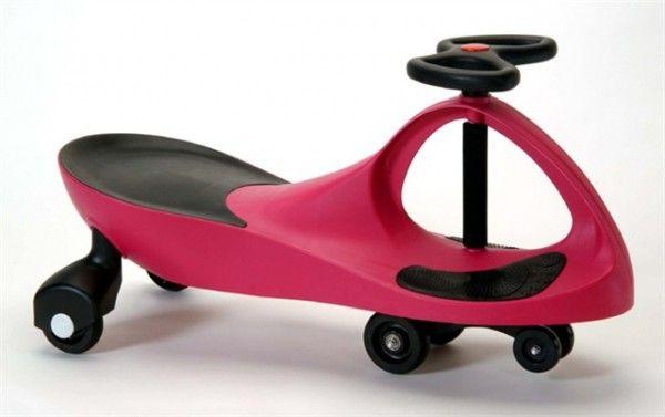 Детская машинка Bibicar (Бибикар) розовый, каталка для детей, для девочекМашинки Бибикар<br>Детская машинка Bibicar (Бибикар) розовый<br> <br>Детская машинка Bibicar розовый – первый самоходный транспорт для вашего малыша. Этот товар совсем недавно появился в разных интернет-магазинах, но уже полюбился огромному количеству малышей и их родителям, о чем свидетельствуют восторженные отзывы. Для машинки не нужны батарейки и аккумуляторы, достаточно лишь поворачивать руль из стороны в сторону, и Бибикар поедет самостоятельно, под воздействием гравитации и центробежной силы. Также, совсем крохотный водитель может просто отталкиваться ногами. Самый подходящий возраст, чтобы купить ребенку детскую машинку Бибикар – 3 года, но и папа с мамой могут без опаски покататься на машинке – ведь она выдерживает нагрузку до 100 кг.<br> <br>Секрет увлекательных игр с Бибикар<br> <br> <br> <br>Малыши просто в восторге от Бибикар! И это – не преувеличение! Машинка – яркая, маневренная и удобная. И едет сама! А чтобы она поехала – не нужно ничего докупать или заряжать – просто крутите руль. Отличный детский аналог дорогостоящим электромобилям, тем более, что цена на Бибикар в интернет-каталоге Dirox – ниже некуда.<br> <br>Упасть с такой машинки тоже не удастся – дополнительная пара передних колес и особенности корпуса не позволят машинке перевернуться с маленьким водителем за рулем. Сиденье анатомической формы и прорезиненные вставки для ног обеспечивают комфорт и дополнительную безопасность ребенку. Кататься можно и дома – по линолеуму или паркету, и на улице – по бетону или асфальту. Вес машинки – около 4 кг, для взрослого или более старшего ребенка – совсем не тяжело.<br> <br>А вот увлекательный досуг, потрясающий аппетит, укладывание в кровать без капризов и крепкий сон малыша – вам обеспечены! Езда на самоходном велосипеде Бибикар развивает координацию движений, ориентацию в пространстве, выносливость и вестибулярный аппарат. Кроме того, это так важно для детей – управлять игровым п