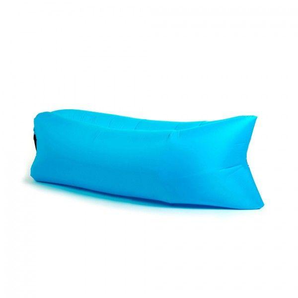 Надувной диван - лежак Ламзак (гамак, LAMZAC) голубой, надувной лежак, диван (мешок) для природыНадувные диваны Лазмак (LAMZAC) <br>Надувной диван - лежак Ламзак (гамак, LAMZAC) голубой<br><br>  <br><br>   Смотрите также - другие цвета LAMZAC<br><br>  <br><br><br> Любите путешествовать с друзьями и расслабляться на пляже? Везде носить с собой складные стулья, шезлонги и покрывала, это утомительно и тяжело. Лучшим решением будет мягкий надувной диван, это оригинальное решение, его можно взять с собой куда угодно.<br><br><br> <br><br>  <br> Что это?<br><br> Lamzac - надувной гамак (лежак, диван). Как его не назови, он всё равно лучше. Захотелось вальяжно развалиться там, где вы не могли позволить себе этого раньше? Хотите прилечь отдохнуть? 15 секунд - и в вашем распоряжении роскошное удобство. Где угодно и когда угодно. Главное - не забыть прихватить гамак с собой.<br><br>  <br> Быстро и просто<br>  <br><br> Надувной диван сверхкомпактный и умещается в небольшую наплечную сумку. Чтобы собрать гамак, достаньте его из сумки, распрямите и зачерпните воздух. Звучит странно, но именно так всё и выглядит. После этого закройте воздушные клапаны и расслабьтесь на лежаке.<br><br> <br><br> Пару взмахов и диван готов к эксплуатации.<br><br> <br><br> Еще мгновение, и вы уже отдыхаете!<br><br><br>  <br><br> Дизайн<br><br> На вид Lamzac немного похож на кресло-мешок, которое вытянули по горизонтали. Все лежаки сшиты из парашютного шёлка, так что за прочность мебели можно не беспокоиться. И да, наши диваны - унисекс.<br><br><br>  <br><br> Возьми с собой!<br><br> - На пляж<br><br><br> - В парк <br><br><br> - На пикник или в поход<br><br><br> - На горонолыжный склон <br><br><br> - На рыбалку или охоту<br><br><br> - В летний кинотеатр <br><br><br> - На фестиваль под открытым небом <br><br><br> - На дачу<br><br><br> <br><br><br>  <br><br> Можно использовать на любой поверхности<br><br> <br><br><br>  <br><br> Преимущества:<br><br> - В случае износа или прокола можно заменить внутренний 