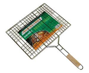Решетка для гриля Green Glade BBQ-719CГрили, барбекю<br>Двойная решетка для гриля (прямоугольная) с деревянной ручкой.<br>Характеристики:<br><br><br><br><br><br><br> Вес:<br><br><br> 0,3 кг.<br><br><br><br><br> Все размеры:<br><br><br> размер решетки - 35 х 22 см., длина (с ручкой) - 70,5 см.<br><br><br><br><br> Гарантия:<br><br><br> 6 месяцев.<br><br><br><br><br> Материал:<br><br><br> высококачественная сталь с пищевым никелированным покрытием.<br><br><br><br><br> Особенности:<br><br><br> Это идеальное приспособление для приготовления барбекю как на мангале, так и на гриле. Удобно размещать стейки, ребрышки, гамбургеры. Идеально подходи<br><br><br><br><br> упаковка габариты см:<br><br><br> 70*33*5<br><br><br><br><br>