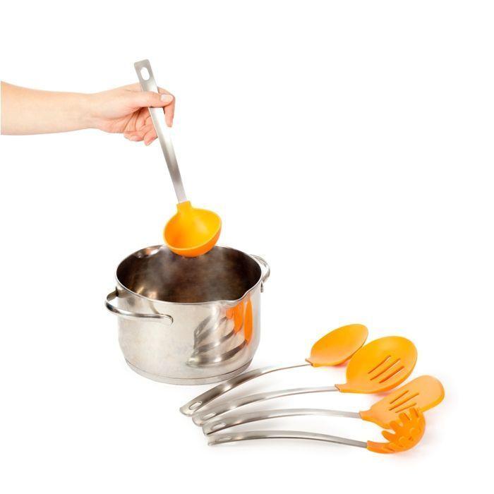 Набор кухонных принадлежностей 5  Кухонка (оранжевый)Товары для кухни<br><br>    <br>  <br><br><br>  Не хочется готовить в скучной серой кухне?<br><br>  <br><br>  С набором кухонных принадлежностей 5 Кухонка (оранжевый) Вы добавите немного лета в Ваш дом, а блюда получатся изумительно вкусными!<br><br>  <br><br>      В набор входят лопатка, шумовка и три поварёшки разного функционала.Рабочая поверхность выполнена из жароупорного силикона, который не повреждает поверхность посуды и идеально подойдёт для посуды с антипригарным покрытием. Кухонные принадлежности не впитывают запахи продуктов.<br>    <br>      <br>          <br>        <br>    <br>      Яркий набор самых необходимых предметов для приготовления разнообразных блюд. Многофункциональные безопасные кухонные принадлежности станут незаменимыми помощниками и внесут капельку лета в Вашу кухню.<br>    <br>      Готовьте с удовольствием!<br>    <br>      Отличительные особенности:<br>    <br>      <br>    <br>      <br>    <br>      – 5 предметов в комплекте<br>          <br>        – Материал рабочей поверхности: жаропрочный силикон<br>        <br>      – Отверстия для подвешивания<br>    <br>      <br>          <br>        <br>    <br>      <br>            Способ применения:<br>          <br>          <br>        <br>          Используйте тот или иной кухонный предмет в зависимости от приготовляемого блюда.<br>        <br>          <br>            <br>          <br>        <br>          Набор кухонных принадлежностей 5 Кухонка (оранжевый) превратит процесс приготовления блюд в сплошное удовольствие!<br>        <br>          <br>              <br>            <br>        <br>          Комплектация:<br>        <br>          Лопатка - 1 шт.<br>              <br>            Шумовка - 1 шт.<br>              <br>            Поварешка глубокая - 1 шт.<br>              <br>            Поварешка мелкая - 1 шт.<br>              <br>            Поварешка для лапши – 1 шт.<br>              <br>            Русскоязычная упако