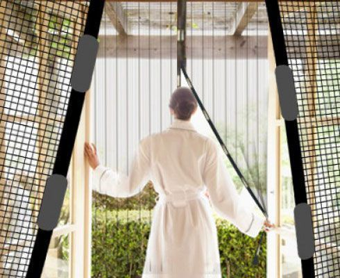 Шторы магнитные Magic Mesh (Меджик меш) антимоскитна сетка на дверь от насекомых (комаров) дл дачиМагнитные шторы<br> Шторы магнитные Magic Mesh<br><br>Устали от назойливых насекомых, которые так и норовт проникнуть в Ваш дом? Тогда вам просто необходимо купить москитну сетку Magic Mesh. Она незаменима летом при жаркой погоде,предотвращает повление тополиного пуха и насекомых в Вашем помещении, а благодар сетчатой структуре – отлично пропускает воздух. Установить шторы очень просто, с той задачей может справитьс даже ребенок, т.к. монтаж не требует каких-либо специальных инструментов или навыков. Есть два варианта установки:  кнопками или же двухсторонней клейкой лентой.<br> <br><br> <br>Благодар своим размерам, москитна сетка Magic Mesh универсальна, она подходт дл: кухонных помещений, веранд или же дачных дверей. Их легко собрать и разобрать, а также постирать. Шторы имет 18 магнитов, которые хорошо справлтс со своей задачей даже при сильном ветре. Шторы отлично вписыватс в лбой интерьер и благодар им, вы сможете насладитьс прохладой свежего летнего воздуха. Magic Mesh влтс отличным решением дл тех, у кого есть домашние животные, из-за которых приходитс оставлть двери всегда открытыми. Штора с магнитными крепленими обеспечивает большу надежность антимоскитной защиты. Такой сеткой удобно пользоватьс - она закрываетс и открываетс легкими движеними рук. Автоматическое закрытие москитной сетки Mesh позволет избежать случаев непреднамеренного оставлени доступа в помещение насекомым.<br><br>Особенности<br> <br>- Легко установить<br> <br>- Надежна конструкци<br> <br>- Плотно закрыватс<br> <br>- Высокое качество материалов<br> <br>- Отлична пропускаемость воздуха<br><br>Кратка инструкци по установке:<br> <br>1. Убедитесь, что каждый магнит находитс в паре друг с другом<br> <br>2. Разгладьте москитну сетку Magic Mesh<br> <br>3. Прижмите её на месте установки кнопками или же клейкой лентой<br><br>Характеристики:<br> <br>- Размер: 210.5х101.5 см (ДхШ)<br> <br>- Цвет: черный<