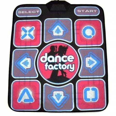 Танцевальный коврик X-tream Dance Pad Platinum (PC-USB) Dance Factory, музыкальный с подключением для детейТанцевальные коврики<br>Танцевальный коврик DIROX Dance Pad Performance 2.0 (PC-USB-TV) Dance Factory<br><br> Вы любите танцевать, но возраст не позволяет посещать молодежные дискотеки? Хотите привить ребенку любовь к физической активности? Не знаете, чем удивить друзей на вечеринке у вас дома?<br><br><br> Наш интернет магазин предлагает вам купить танцевальный музыкальный коврик для всей семьи по лучшей цене, который сможет решить все эти проблемы одним махом.<br><br><br> Этот недорогой аксессуар идеально подойдет для танцев на вечеринке,  выработает у ребенка привязанность к спорту и даже снимет стресс после рабочего дня.<br><br><br> <br><br>Особенности танцевального коврика Dance Pad Performance 2.0<br><br> Как отмечают многие родители, их дети категорически не любят заниматься спортом, предпочитая этому компьютерные игры, где они соревнуются друг с другом, или просмотр телевизора. Ранее решение этой проблемы стоило взрослым немало нервных клеток и обид.<br><br><br> К счастью, на рынке появился поистине удивительный продукт, перед которым не устоит не один ребенок. Это танцевальный коврик Dance Pad Performance 2.0 (PC-USB-TV) Dance Factory, который сочетает в себе элементы компьютерной игры, соревновательного духа и отличное средство для развития физической активности.<br><br><br> Принцип работы устройства прост – достаточно подключить его к телевизору или компьютеру, установить необходимое программное обеспечение, которое идет в комплекте на диске и можно начинать.<br><br><br> Недорогой обновленный танцевальный коврик для взрослых и детей имеет специальное актискользящее покрытие, что делает даже самый быстрый танец полностью безопасным. Водонепроницаемый материал позволит не переживать, что если во время игры дети что-то разольют на пол, Dance Pad Performance 2.0 (PC-USB-TV) выйдет из строя.<br><br><br> На поверхности танцевального коврика с разъемами к те