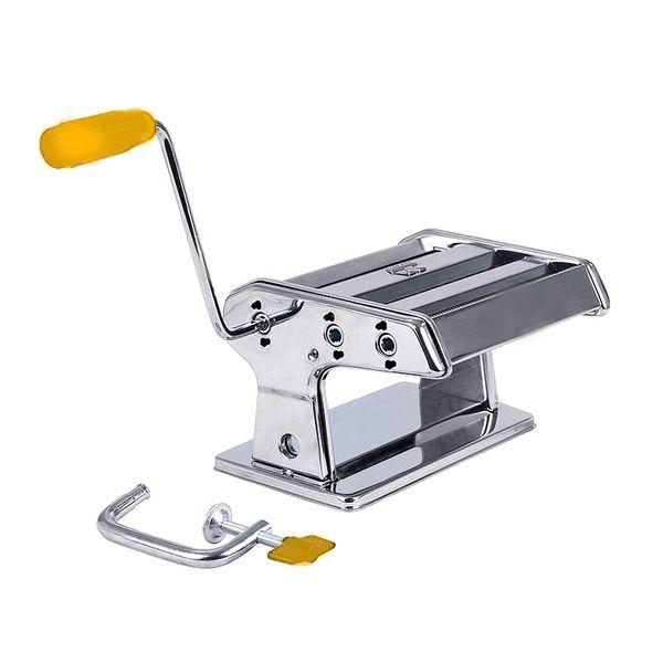 Лапшерезка-тестораскатка ручная Pasta Machine 15см, WN16195-150, для нарезки лапши, машинка для резки пастыЛапшерезки<br><br>Быть уверенным в качестве блюда можно только в том случае, когда оно полностью приготовлено своими руками. Чтобы сократить затраты сил и времени, опытные хозяйки давно используют различные приспособления. Мясорубка, овощерезка или, например, пельменница наверняка есть в каждом доме. А что делать тем, кто не мыслит своей жизни без лапши? Выход есть! Это - Pasta Machine.<br><br><br>Это замечательный аппарат, раскатывающий тесто. С его помощью вы легко сможете приготовить вкусную и полезную лапшу, сделать тонкое и красивое тесто для пельменей или вареников. Если у вас есть лапшерезка, вы больше никогда не захотите купить магазинные макаронные изделия, ни дешевые, ни дорогие. Цена тут значения не имеет.<br><br><br> <br><br>Достоинства<br><br>Дает возможность использовать тесто, приготовленное из качественных ингредиентов.<br>Предоставляет возможность выбирать толщину и ширину пласта.<br>Весьма экологична. Выполнена из нержавеющей стали, которая не окисляется.<br>Проста в использовании и уходе.<br>Позволяет прекратить питаться полуфабрикатами.<br>Компактная, не занимает много места и может храниться в кухонном шкафчике.<br>Позволяет самостоятельно готовить вкусную лапшу по различным рецептам.<br>Позволяет дешево, быстро и вкусно накормить всю семью.<br>Стоит недорого и полностью окупается уже после нескольких применений.<br><br>Уход и хранение<br><br>машинку ни в коем случае нельзя мыть водой и уж тем более в посудомоечной машине;<br>чистят прибор при помощи сухих щеточек, палочек и скребков;<br>для облегчения прочистки всех внутренних частей рекомендуется вынуть пластмассовые детали конструкции;<br>для увеличения срока службы машинки регулярно смазывайте режущие части любым растительным маслом;<br>не допускайте попадания между роликами посторонних предметов;<br>во избежание повреждения механизма храните лапшерезку в закрытой коробке.<br><br><br> <
