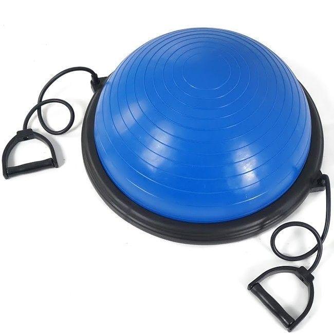 Босу полусфера для фитнеса Bosu ball, тренажер для мышц спины и ног для домаФитболы<br>Босу полусфера для фитнеса Bosu ball<br> <br>У вас нет времени на посещение спортзала, но так хочется иметь красивую фигуру? Хотите привести себя в порядок и подготовиться к пляжному сезону?<br> <br>Вы пришли по адресу, в нашем интернет магазине можно недорого купить полусферу для фитнеса Bosu ball по выгодной цене и заниматься спортом дома.<br> <br>Босу полусфера для фитнеса (Bosu ball) – это идеальное решение для тех, кто по каким-то причинам не может посещать тренировки в фитнес-центре, но не хочет терять свою физическую форму или мечтает о красивом и подтянутом теле, а также хочет повысить свою ловкость и равновесие.<br>  <br>Особенности тренажера Bosu ball<br> <br>Мечты о красивой и стройной фигуре поможет воплотить уникальный фитнес тренажер - полусфера Босу, которая пользуется высокой популярностью как у профессиональных спортсменов, так и у новичков по всему миру, о чем свидетельствуют многочисленные отзывы довольных покупателей, которые отмечают недорогую цену тренажера и его высокую эффективность в сжигании калорий.<br> <br>Полусфера для фитнеса Босу эффективна за счет сочетания в себе не только тренажера для физической нагрузки, но и того, что во время тренировки на ней нужно тратить энергию на сохранение равновесия. В комплексе это приводит к тому, что лишние калории сгорают быстрее и эффект похудения достигается более явно.<br> <br>Полусфера для фитнеса Bosu ball являет собой конструкцию из резиновой полусферы и прочного пластикового основания. Благодаря этому тренажер можно использовать двумя сторонами: резиновой полусферой вверх или вниз для проработки разных групп мышц.<br> <br>Занятия на Bosu ball позволят вам подкачать пресс и убрать бока, а также укрепить мышцы спины, развить хорошую координацию движений и даже натренировать вестибулярный аппарат в процессе занятий.<br> <br>Отзывы о гимнастическом куполе с платформой Bosu ball свидетельствуют о том, что трениров