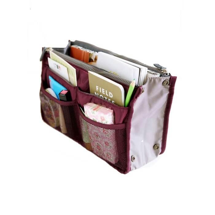 Органайзер в сумку для гаджетов и мелочей (цвет бордовый)Товары для туристов<br>Не знаете, где хранить все свои нужные и полезные мелочи?<br><br><br><br>С органайзером в сумку для гаджетов и мелочей (цвет бордовый) Вы сможете всё хранить в одном месте!<br><br><br><br>Органайзер оснащён множеством карманов. Имеет удобные ручки для переноски и хранения. При необходимости органайзер можно делать уже или шире благодаря специальной конструкции на кнопках.<br><br><br><br>  <br><br>      <br>          Преимущества органайзера:<br>        <br>    - Множество карманов для хранения<br>            <br>          - Удобные ручки для переноски<br>              <br>            - Конструкция-трансформер<br><br>              <br>            <br><br><br>                  Удобное вместительное приспособление для хранения гаджетов и различных мелочей. Благодаря органайзеру Вы без труда найдёте нужный предмет и больше ничего не потеряете.<br>                <br>                  <br>                <br>                  <br>                <br>                <br>              <br>                <br>              <br>                Соберите все мелочи в одном месте!<br>              <br>                Отличительные особенности:<br>              <br>                <br>              <br>                <br>              <br>                – Множество карманов для хранения<br>                  <br>                – Ручки-петельки для переноски или подвешивания<br>                  <br>                – Конструкция-трансформер на кнопках<br>                  <br>                – Размер: 16*28 см<br>              <br>    <br>  <br>        Способ применения:<br>      <br>      <br>    <br>      Сложите необходимые предметы в органайзер. При необходимости отрегулируйте ширину.<br>    <br>      <br>        <br>      <br>    <br>      Органайзер в сумку для гаджетов и мелочей (цвет бордовый) - комфорт и удобство всегда с Вами!<br>    <br>      Комплектация:<br>    <br>      Органайзер - 1 