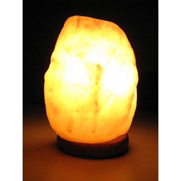 Соляная лампа Скала-Эко, около 2кг, ионизатор воздуха, солевой светильникСоляные лампы в форме камня, скалы<br>(Солевая) Соляная лампа Скала-Эко , около 2кг<br> <br>Соляная лампа Скала-Эко весом около 2 кг отлично подойдет для небольшого помещения площадью около 6-10 квадратных метров. Недорогой целебный светильник Wonder Life на деревянной подставке освещает комнату теплым светом. Поставляется модель лампы Скала Эко в красочной фирменной упаковке. Такие солевые лампы особенно популярны у поклонников оформления домашнего уюта в стиле фен-шуй. <br>  <br> <br>  <br> Гималайская природная каменная соль, используемая в плафонах, имеет доисторический возраст в 500-700 млн. лет, и содержит сравнительно небольшое для пакистанских ламп количество примесей. <br>  <br> <br>  <br> Соляные лампы Wonder Life сделаны в России, фурнитура – удлиненный шнур 1,5 метра и крепежи - немецкие. Электрическая лампочка, как правило, небольшой мощности - 15 Ватт, достаточно для работы в качестве нагревателя соляного плафона и ночника. Читайте, инструкция для солевых ламп имеется для каждой конкретной модели. Спрашивайте, какие конкретные спецификации у модели и как правильно использовать солевой светильник. Пишите, звоните в наш Интернет Магазин, с радостью ответим. <br>  <br> <br>  <br> Отличные подарки с целебными свойствами, подойдут для всех, в том числе и для требовательных любителей фен-шуй, заказать подарок по каталогу Интернет-магазина можно с доставкой почтой России.<br><br>Основные особенности соляной лампы Скала-Эко<br> <br>Форма: камень<br> <br>Цвет:  пламя<br> <br>Вес: около 2 кг<br> <br>Подставка: дерево<br><br>Комплектация<br> <br>1. Соляная лампа Скала-Эко<br> <br>2. Сетевой шнур 220В<br> <br>3. Упаковка - картонная коробка<br>