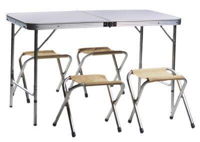 Набор мебели для пикника Green Glade Р702Кемпинговая мебель<br>Для пикника удобнее использовать малогабаритную складную мебель, которую можно было бы не только перевезти на автомобиле, но и перенести силами одного человека. Поскольку на пикник собираются, как правило, несколько человек, то удобнее использовать мебель в наборе. Набор мебели для пикника Green Glade Р702, включает в себя стол (складывающийся в чемодан) и четыре табурета. Размер стола позволит комфортно разместится за ним вчетвером. Небольшой вес и удобная ручка позволят доставить его к месту отдыха одним человеком. Проведя исследование рынка, и проанализировав мнение потребителей, был выведен габаритный размер данного набора мебели.<br>Характеристики<br><br><br><br><br> Max вес пользователя:<br><br><br> Max нагрузка: стол/стулья 20/120 кг<br><br><br><br><br> Вес:<br><br><br> 6.3 кг<br><br><br><br><br> Все размеры:<br><br><br> Стол: 120*60*70 см / Стулья: 29*27*37 см<br><br><br><br><br> Высота:<br><br><br> Стол: 70 см / Стулья: 37 см<br><br><br><br><br> Гарантия:<br><br><br> 6 месяцев.<br><br><br><br><br> Каркас:<br><br><br> алюминий ? 24мм<br><br><br><br><br> Материал:<br><br><br> столешница МДВ, покрытие меламин.<br><br><br><br><br> упаковка габариты см:<br><br><br> 61*61*10<br><br><br><br><br>
