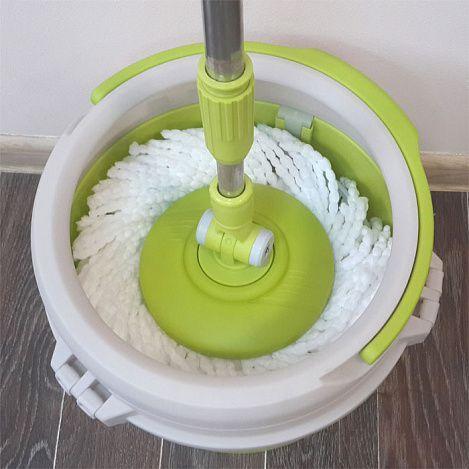 Швабра с отжимом Joyclean Spin Mop Compact Mix (Спин Моп Компакт), для уборки дома в квартире с насадкой из микрофибрыШвабры с отжимом<br>Швабра с отжимом Joyclean Spin Mop Compact Mix<br><br>Находиться в чистом помещении весьма комфортно. Не правда ли? Но вряд ли найдется много домашних хозяек, обожающих уборку в общем, и мытье полов в частности. Интернет-магазин «Дирокс» знает как исправить это несоответствие. Мы предлагаем дешевый и судя по отзывам клиентов весьма эффективный способ мытья полов. Стоит купить швабру с ведром для отжима Spin Mop Compact Mix и вам не придется пачкать руки. При этом ваше жилище будет просто сверкать чистотой.<br><br><br><br><br>Что такое «Компакт Микс»<br><br>Joyclean Spin Mop Compact Mix представляет собой компактное пластмассовое ведро со встроенным устройством для отжима и швабру с двумя веревочными насадками для мытья пола. Этот аккуратный и недорогой комплект для быстрой уборки отлично впишется в любой интерьер. Вам даже не понадобится нагибаться, а уборка превратится в легкое и необременительное занятие.<br><br><br> <br><br>Достоинства Compact Mix<br><br>Составляя перечень преимуществ, мы опирались только на реальные отзывы тех, кто уже испробовал это удивительное изобретение.<br><br><br>Составляя перечень преимуществ, мы опирались только на реальные отзывы тех, кто уже испробовал это удивительное изобретение.<br>Две сменные «лохматые» насадки обеспечат быструю и качественную уборку и проникнут во все труднодоступные места вашей квартиры.<br>Качественная и долговечная система, все детали выполнены из прочного пластика. Металлическая ручка способна выдерживать значительные нагрузки.<br>Несмотря на то что ведро со шваброй Compact Mix довольно вместительное, оно обладает маленькими размерами и не займет много места в вашей кладовой.<br>Все детали конструкции собираются и разбираются без усилий, а крепления прочны и надежны.<br>Нет никаких ломающихся педалей, которые могут потребовать замены. Все очень просто и эффективно.<br>Моющи