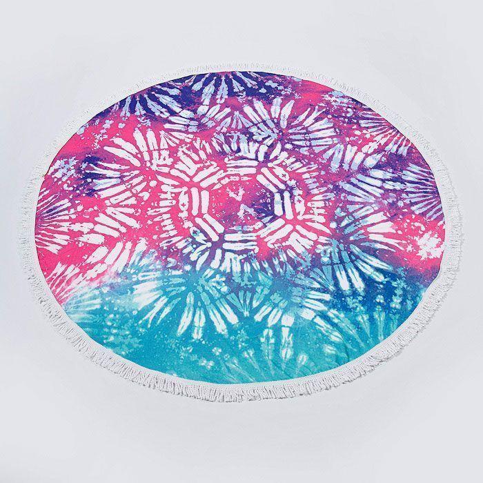Круглое пляжное полотенце цветное с орнаментом (150х150 см)Товары для отдыха<br>Собрались отдохнуть и позагорать на пляже?<br><br> Не забудьте захватить с собой круглое пляжное полотенце цветное с орнаментом (150*150 см)! Пляжное полотенце изготовлено из ультратонкого приятного на ощупь материала и имеет очень оригинальный дизайн в виде яркого орнамента. Принт высокого качества не боится температурных перепадов и воздействия ультрафиолетовых лучей. <br><br>Преимущества пляжного полотенца:<br><br>Оригинальный дизайн<br>Яркие стойкие цвета<br>Прочный материал<br><br>Способ применения:<br><br> Используйте полотенце в качестве подстилки на пляже, во время пикника или отдыха на природе. Круглое пляжное полотенце цветное с орнаментом (150*150 см) - яркий аксессуар для яркого времени года!<br><br>Комплектация<br><br>Полотенце - 1 шт. <br>Упаковка-пакет с русской наклейкой со штрих-кодом <br><br>Технические характеристики<br><br>Цвет: мультиколор<br> Материал: ультратонкое волокно (микрофибра) <br>Вес в упаковке: 700 гр.<br> Размер упаковки: 41*11*11 см <br>Размер полотенца: 150*150 см<br><br>