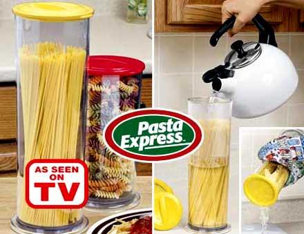 Термокувшин Pasta Express (Паста-экспресс)Термокувшины<br>Термокувшин Pasta Express<br> <br>Термокувшин «Паста-экспресс»позволяет быстро и вкусно приготовить спагетти. При этом вам не нужно промывать их через дуршлаг и даже не понадобится плита, а спагетти сохранят свою форму и отличные вкусовые качества.<br> <br>Вам нужно всего лишь поместить продукты в термокувшин, залить их кипяченой водой и накрыть крышкой. Через несколько минут слейте воду и замените крышку. Ваше блюдо готово! В продуктах сохраняются все полезные вещества и витамины.<br> <br>Особенности термокувшина Паста Экспресс<br> <br>Термокувшин Pasta Express готовит не только спагетти, но и сосиски, и даже овощи.<br> <br>В его комплект входит термокувшин, термокрышки и крышки-сита, а также прихватка и инструкция по применению.<br> <br>В процессе приготовления вода не выплескивается из термокувшина. Моется кувшин очень легко. Чтобы защитить свои руки от горячей воды, пользуйтесь специальной прихваткой с застежками-липучками.<br> <br>При закрытии контейнера крышкой-ситом должен раздаться характерный щелчок. На сито ставится термокрышка, для закрытия она поворачивается по часовой стрелке.<br> <br>Процесс приготовления длится от семи до десяти минут. Вы можете сами регулировать это время, в зависимости от ваших кулинарных запросов. При снятии крышки-сита поддерживайте ее с двух сторон большими пальцами.<br> <br>Комплектация<br> <br>1. Большой контейнер Паста экспресс 1,75 л. 1 шт.<br> <br>2. Термо-крышка 1 шт.<br> <br>3. Инструкция 1 шт.<br> <br>4. Упаковка - картонная коробка<br> <br>Для оптовых покупателей<br> <br>Чтобы купить термокувшин Pasta Express оптом, необходимо связаться с нашими операторами по телефонам, указанным на сайте. Вы сможете получить значительную скидку от розничной цены в зависимости от объема заказа.<br><br>Для получения информации о покупке товаров посетите раздел Оптовых продаж.<br>