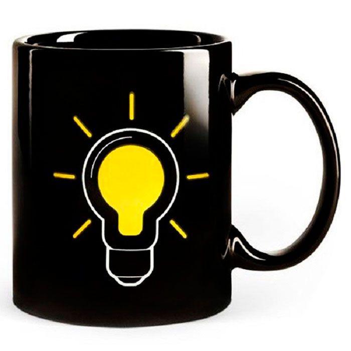 Термокружка ЛампочкаТовары для кухни<br>Думаете, утро добрым не бывает?<br><br><br><br> Термокружка Лампочка поможет Вам зарядиться и быть в отличном настроении весь день!<br><br><br><br><br> На поверхность кружки нанесён оригинальный принт лампочки, выполненный с помощью термочувствительной краски. Чем больше в кружке горячего напитка, тем ярче лампочка. По мере убывания напитка или его остывания индикация на кружке возвращается в исходное, разряженное, состояние.<br><br> <br><br>Преимущества кружки<br><br>Оригинальный дизайн<br>Термодатчик<br>Прочный материал<br>Удобная ручка<br>Стандартный объём<br><br>Способ применения<br><br> Налейте в кружку горячий чай - лампочка зажжётся. <br><br><br> Термокружка Лампочка - начало удачного дня! <br><br>Характеристики<br><br>Цвет: чёрный<br><br>Материал: керамика, термографические чернила<br><br>Вес в упаковке: 400 гр.<br><br>Комплектация<br><br>Термокружка - 1 шт.<br><br>Белая картонная упаковка с русской наклейкой со штрих-кодом<br><br> <br>
