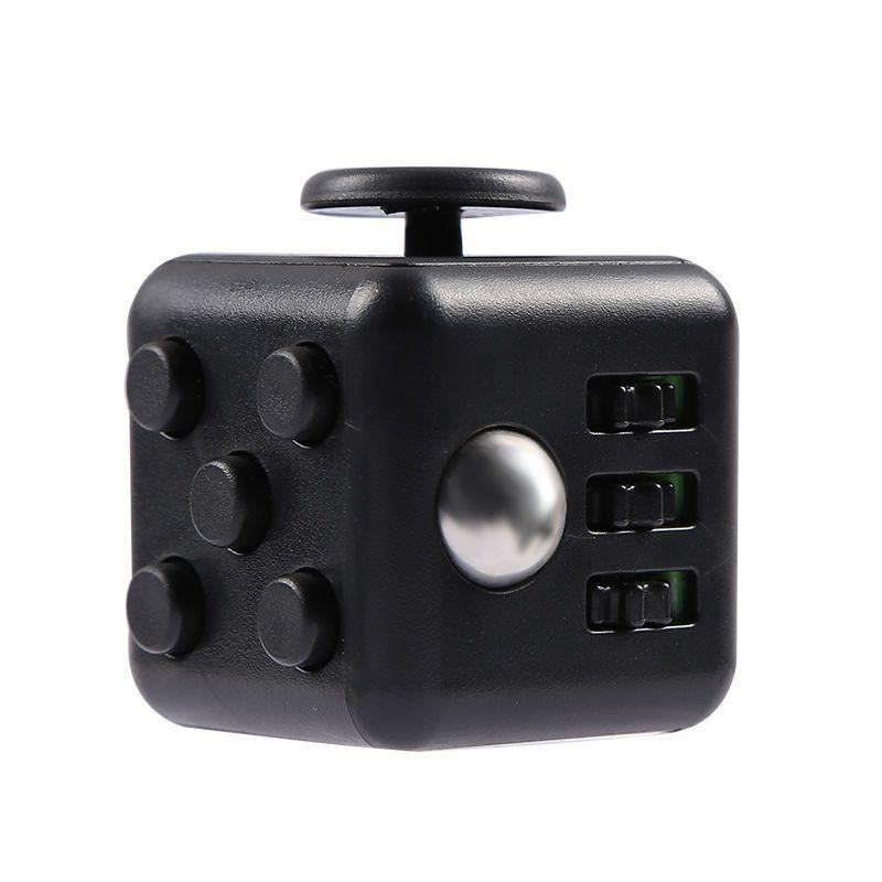 Кубик-антистресс Fidget Cube черныйКубики Антистресс Fidget Cube<br>Кубик-антистресс Fidget Cube (Фиджет Куб) черный<br> <br>Каждый человек хотя бы раз в жизни испытывал состояние напряжения и бесконтрольной двигательной активности. Вы тоже клацаете ручкой на важном совещании или «хрустите» пальцами в стрессовые моменты? Стоит купить антистрессовый кубик Fidget Cube черный и ваше поведение перестанет раздражать окружающих. Это замечательное приспособление как раз создано для того, чтобы расслабиться в сложные моменты или сосредоточить внимание, когда это необходимо. Кубик-антистресс имеет миниатюрные размеры и не займет много места в вашем кармане.<br>   <br>  <br>  <br>Кому нужен кубик-антистресс<br> <br>Давно известно, что тренировка мелкой моторики рук способствует развитию головного мозга как у детей, так и у взрослых. Но если малыши могут удовлетворить эту природную потребность, играя с мелкими игрушками или перебирая пуговицы, то у взрослых дела обстоят сложнее. Для них настоящим спасением является кубик антистресс Fidget Cube черный, по отзывам пользователей являющийся просто идеальным решением.<br> <br>Стильный и недорогой Fidget Cube просто создан для тех, кто:<br> <br> <br>  регулярно грызет колпачки ручек и карандаши;<br> <br>  «клацает» кнопочными ручками;<br> <br>  звенит монетками в кармане;<br> <br>  дергает ногой или «хрустит» пальцами;<br> <br>  постоянно вертит в руках небольшие предметы;<br> <br>  производит любые другие неконтролируемые манипуляции, раздражающие окружающих.<br> <br> <br>По отзывам тех, кто уже испробовал на себе это замечательное устройство, кубик антистресс Fidget Cube моментально успокаивает после сильного стресса и помогает сосредоточиться в момент принятия важного решения. <br> <br>Еще один немаловажный момент заключается в том, что Fidget Cube стоит дешево. Его цена по карману даже самому отчаянному скряге.<br>  <br>  <br>  <br>Что такое Fidget Cube<br> <br>Антистрессовый кубик «Фиджет Кьюб» имеет 6 сторон. Каждая из них осн