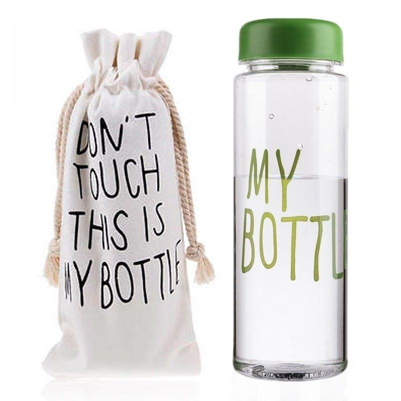 Бутылка This is my Bottle зеленаяБутылки This is my Bottle<br>Бутылка This is my Bottle! зеленая<br>  Руководство по эксплуатации, инструкция Бутылки This is my Bottle! (pdf 70 kb) <br>Бутылка для воды My Bottle – стильный must-have аксессуар этого сезона и настоящий хит продаж! Наполнить свою жизнь настроением и вкусом теперь так просто! Достаточно купить бутылку My Bottle, наполнить ее любимым напитком и можно устроить себе маленький релакс или утолить жажду прямо на ходу, в разгар рабочего дня или тренировки. Бутылка изготовлена из легкого, но прочного экологического пластика, выдерживает температуры от -40 до 100° и имеет широкое горлышко со съемной насадкой для комфортного питья. Май Ботл – оригинальный вариант для символического презента «на память» и неотъемлемый атрибут стильных селфи в Инстаграм. В цену бутылочки входит удобный льняной мешочек на затяжках с оригинальным предостережением на английском: «Не трогать! Это моя бутылка!»<br>  <br>Зачем покупать бутылочку My Bottle?<br> <br>Чтоб мучить свой организм недостатком воды и даже не замечать этого. Бутылочка My Bottle поможет решить эту проблему легко и непринужденно! Теперь ? дневной нормы жидкости в организме всегда под рукой! <br> <br>Компактный аксессуар для питья и перекуса My Bottle – для активных и целеустремленных. В эту бутылочку можно приготовить вкусный и полезный напиток и утолить жажду во время работы, на природе, в самолете или в спортзале. А можно наполнить Май Ботл ягодами, кусочками фруктов, орешками, хлопьями, зефиром или другим рассыпчатым лакомством и устроить небольшой перекус в обеденный перерыв или во время отдыха.<br> <br>Бутылка Май Батл очень легкая и компактная. Она не займет много места в рюкзаке или даже в женской сумочке. Полезный объем емкости – 500 мл. А какие необычные и стильные фото можно сделать! Такая оригинальная бутылка подчеркнет вашу индивидуальность и поможет создать яркое настроение на целый рабочий день!<br> <br>Преимущества бутылочки My Bottle<br>  <br> <br>  