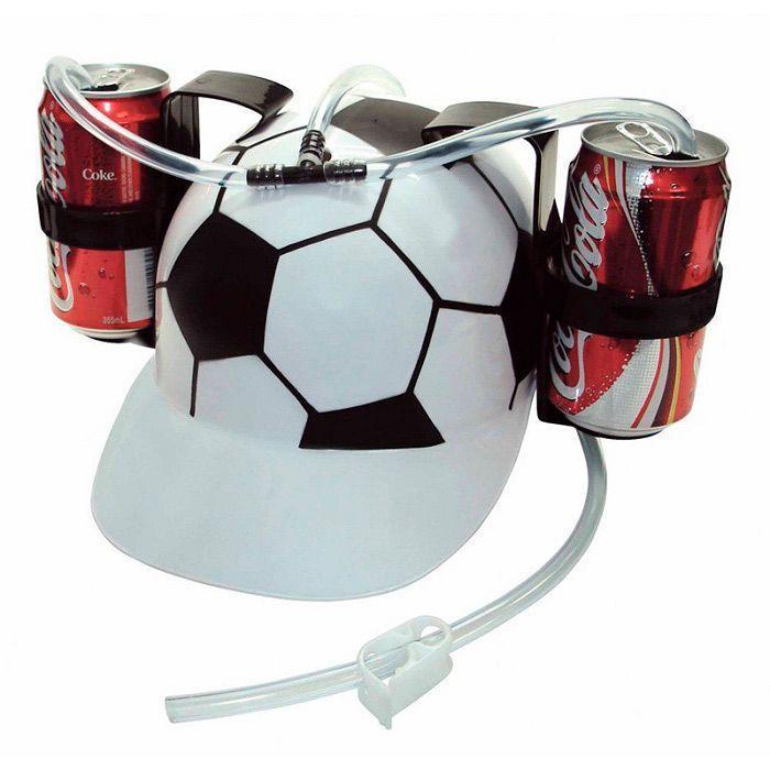 Шлем для болельщиков Пивная каска (футбольный мяч)Пивные каски<br>Любите порадовать себя глотком прохладительного напитка во время матча любимой команды и при этом хотите освободить руки? <br> <br><br><br><br> Шлем для болельщиков Пивная каска не сковывает движения и утолит жажду! <br><br><br><br><br> Каска выполнена из ударопрочного материала и имеет два крепления для банок, которые соединены трубками. С помощью этого оригинального аксессуара можно установить на голове две банки напитка по 0,5 л и не спеша потягивать их содержимое через трубочку. Шлем крепится на голове фиксирующим ободком.<br><br><br><br> Преимущества шлема для болельщиков:<br><br> <br> - 2 подставки<br> - 2 соединительные трубочки<br> - Регулируемый фиксирующий ободок<br> - Ударопрочный материал<br> - Оригинальный дизайн<br><br><br>Способ применения:<br> Поставьте открытую банку в подставку шлема и опустите конец трубки в банку. Наденьте шлем, закрепите его с помощью фиксирующего ободка и наслаждайтесь любимым напитком.<br><br> Шлем для болельщиков Пивная каска - незаменимый аксессуар заядлого болельщика! <br><br><br>Комплектация <br><br><br><br>Шлем - 1 шт.<br><br>Подставка - 2 шт.<br><br>Пакет с русской наклейкой со штрих-кодом<br><br><br><br><br>Технические характеристики <br><br><br><br>Цвет: белый, черный<br><br>Материал: PVC<br><br>Вес: 118 гр.<br><br><br><br>